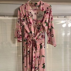 Maternity gown, new